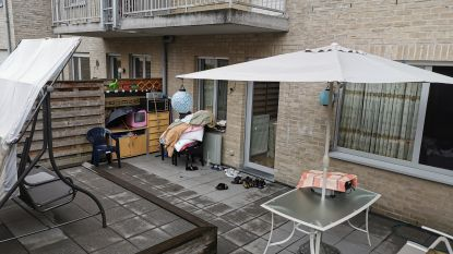 """""""Misbruikte bompa (63) moest zelfs in de winter op mat op terras slapen"""""""