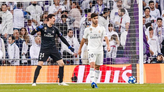 Thibaut Courtois en Marco Asensio balen na wéér een tegendoelpunt tegen CSKA Moskou (0-3) in de Champions League.