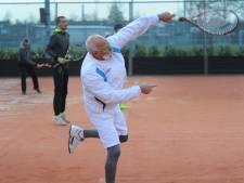 Buiten tennissen in Arnemuiden bij 0 graden