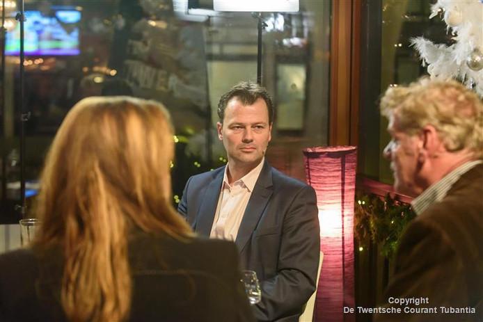 Wethouder Marcel Elferink in Politiek Café Hengeloos Peil