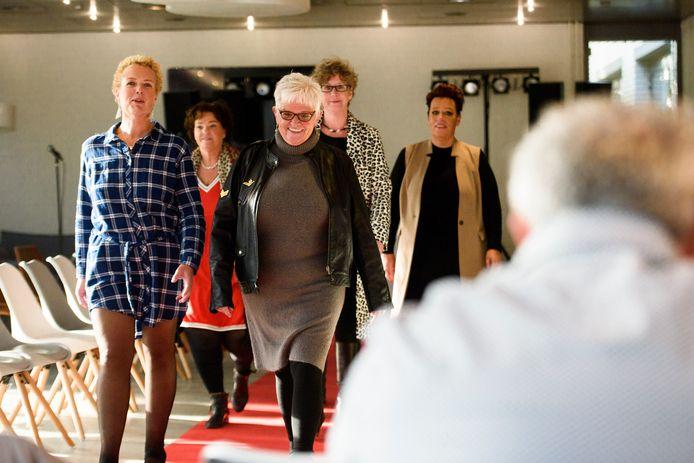 Modeshow door en voor mensen met een maagverkleining.