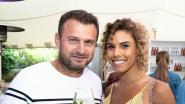 IN BEELD: Wout Bru pronkt met nieuwe vriendin op zomers feestje
