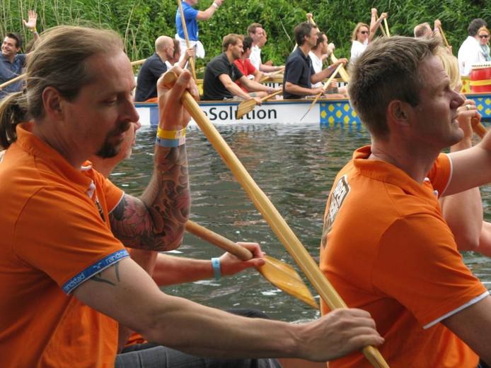 Het Drakenbootfestival. foto Henk van 't Veen