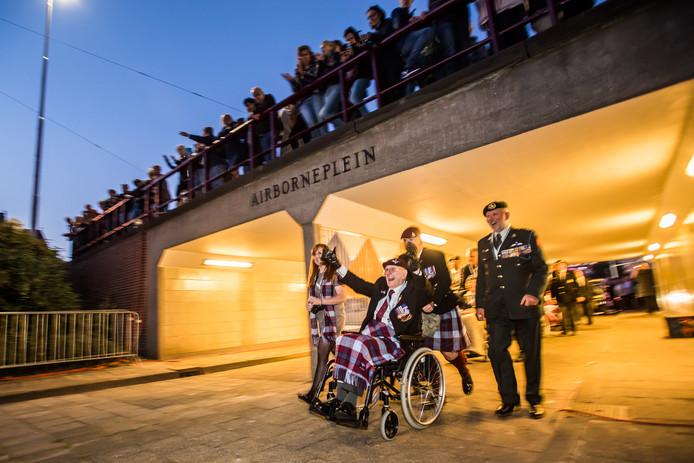 Arnhem Haalt Alles Uit De Kast Voor De Herdenking Rond De