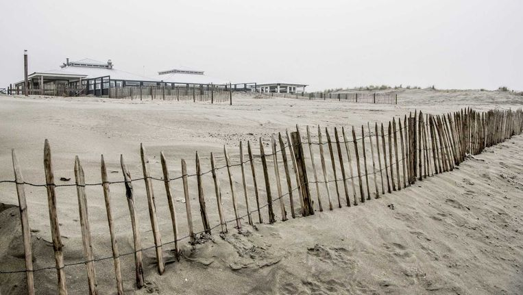 Een strandtent bij Hoek van Holland. Beeld anp