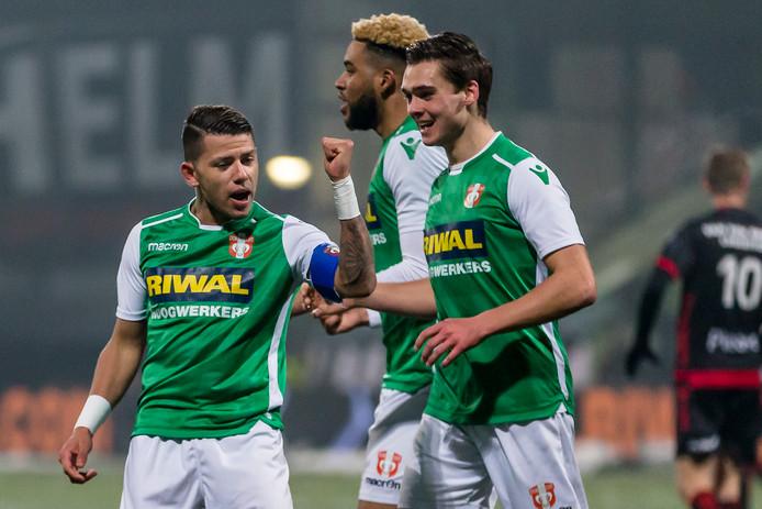 Gustavo Hamer (l) in het shirt van FC Dordrecht.