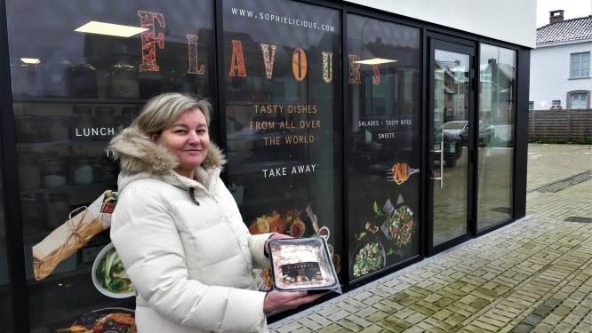 """Sophie (55) opent takeaway Flavours in Astene: """"Smaken uit alle hoeken van de wereld"""""""