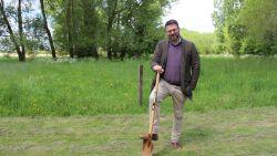 Joris Nachtergaele zal verkiezingsbelofte nakomen en plant 7.958 bomen, evenveel als hij voorkeurstemmen kreeg