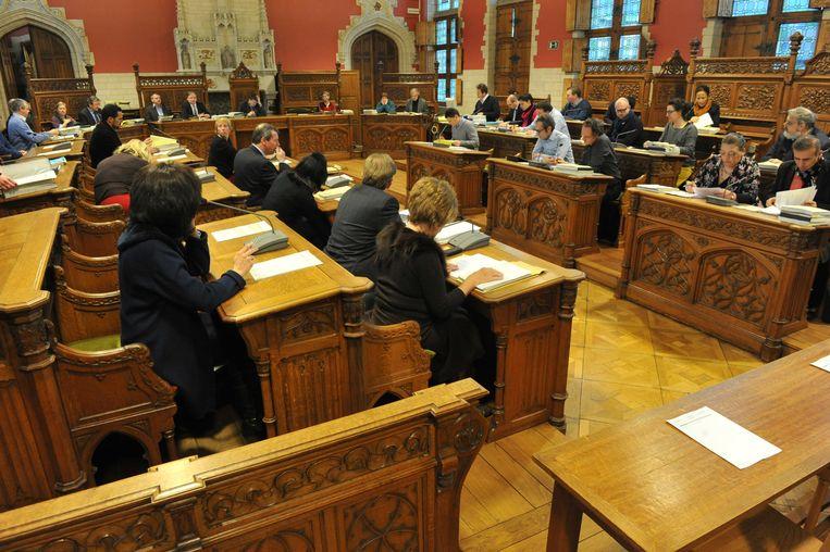 Uitgestoken hand of niet, er zal tijdens de gemeenteraadszittingen nog een hartig woordje worden gesproken.