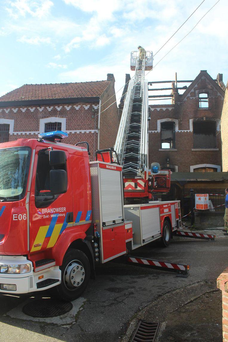 Brandweerpost Sint-Truiden heeft de hele voormiddag nageblust.