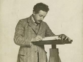 Het wonderjaar van Einstein dankzij doodsaaie job en pientere vrouw