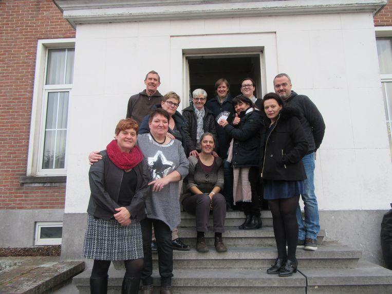 Viva schenkt waardebonnen aan Sociale Kruidenier MIA in Merelbeke.