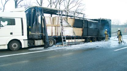 VIDEO: Vrachtwagen brandt volledig uit op E34