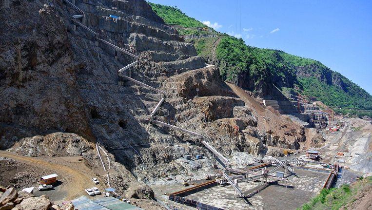 De bouw van de Gibe III dam in Ethiopië. Beeld AFP