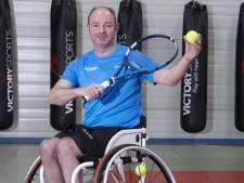 Patrick Elzinga uit Westerhaar traint voor het NK rolstoeltennis: 'Het wordt nu serieus'