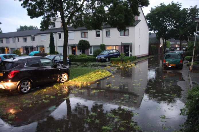 Schade na noodweer in Deurne.