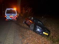 Auto belandt in sloot in Vorden