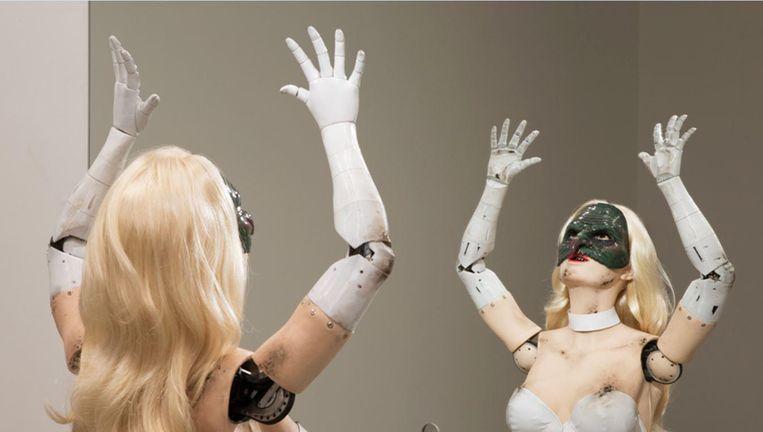 Female Figure van Jordan Wolfson in het Stedelijk Museum Amsterdam. Beeld Jonathan Smith