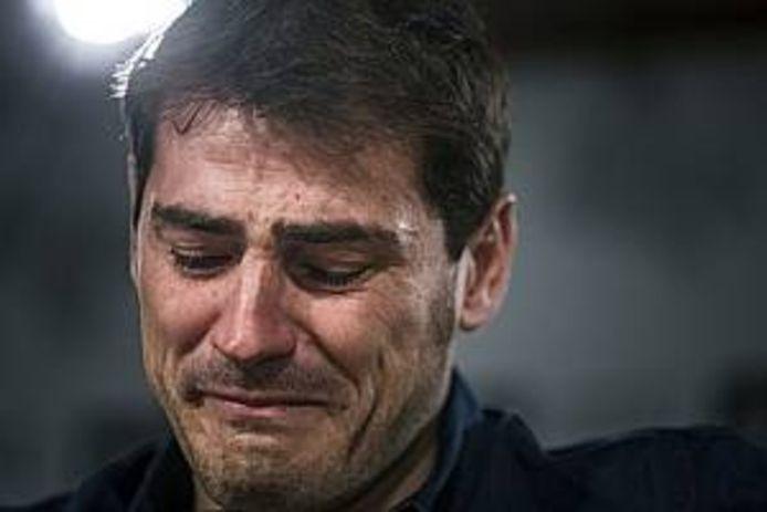 2015: Iker Casillas in tranen als hij zijn vertrek toelicht bij Real Madrid.