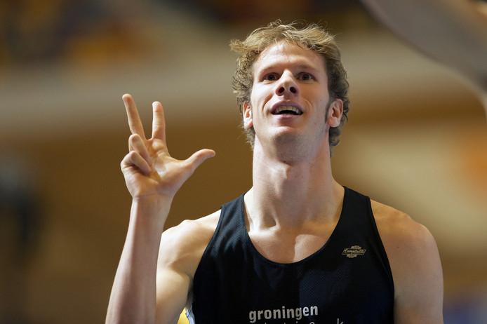 Thijmen Kupers na zijn derde zege op de 800 meter bij de NK Indoor in 2014.