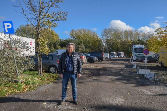 """Gino Van der Vreken op De Bruynkaai: """"Een parkeercatastrofe is in de maak""""."""