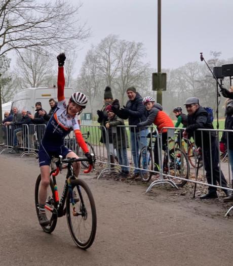 Cas (12) uit Wageningen weer de beste jonge veldrijder van Nederland