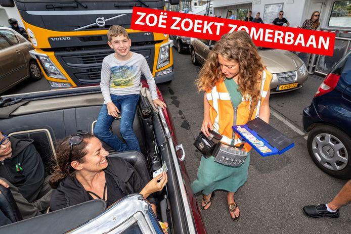 Zoë Zoekt Zomerbaan: Zoë de Goede werkt op de veerpont.