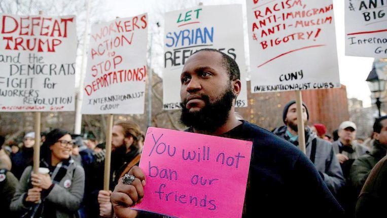 In New York werd geprotesteerd tegen de nieuwe plannen van president Donald Trump. Beeld reuters