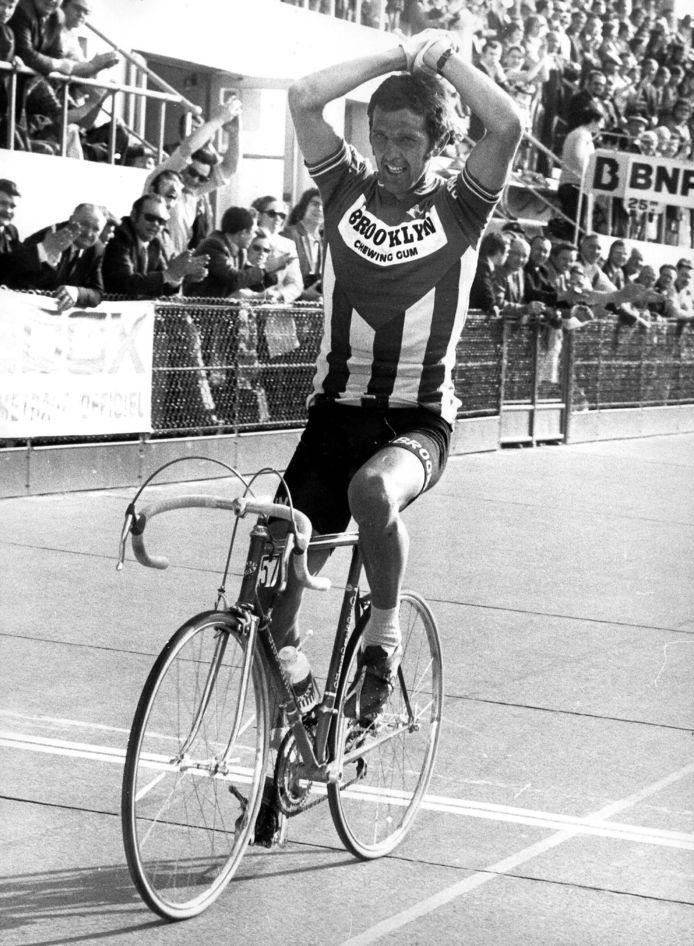 Quatre victoires et cinq podiums: les chiffres fous de Roger De Vlaeminck  à Roubaix.