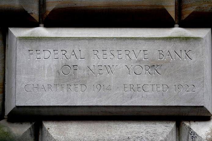 Gevelsteen van de Federale Reserve Bank in New York.