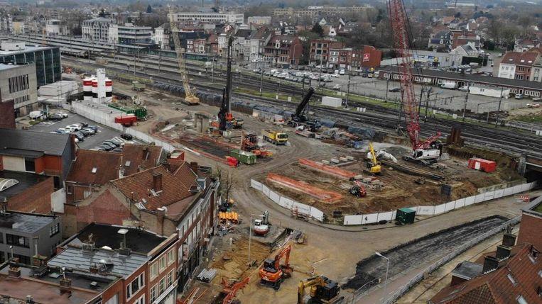 Ook de aanleg van een de nieuwe ondergrondse parking Station met 900 plaatsen vordert goed