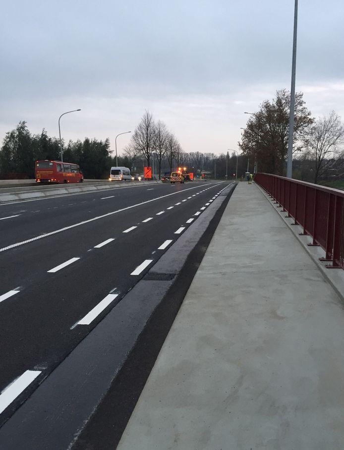 De werken ter hoogte van de brug over het Schipdonkkanaal zijn afgerond.