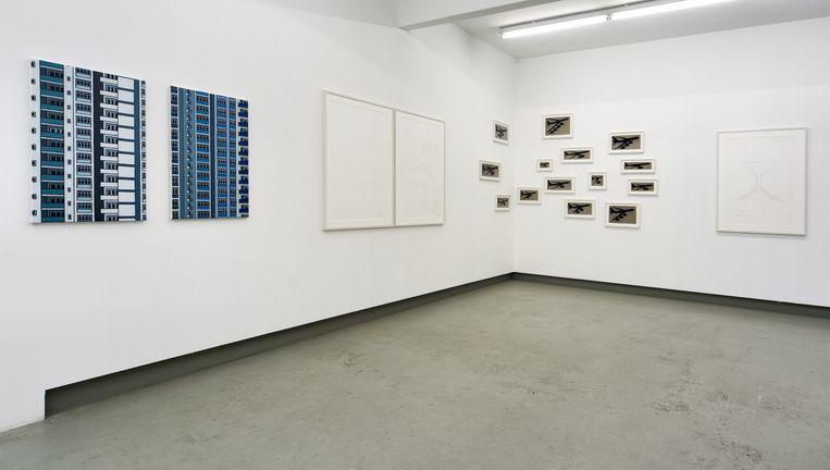 Verschillende werken van Aarts en Armando in galerie Rento Brattinga te Amsterdam. Beeld null