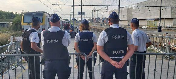 De politie van Blankenberge controleert de inkomende treinen vandaag.