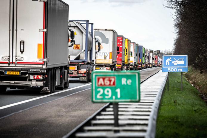 De A67 veroorzaakt overlast, aldus de inwoners van Genoenhuis.