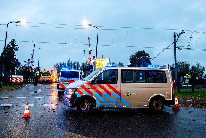 Een 59-jarige man uit Hardinxveld-Giessendam is woensdagochtend omgekomen bij een aanrijding met een trein. Er is nog geen duidelijkheid over wat er heeft plaatsgevonden bij het spoor.