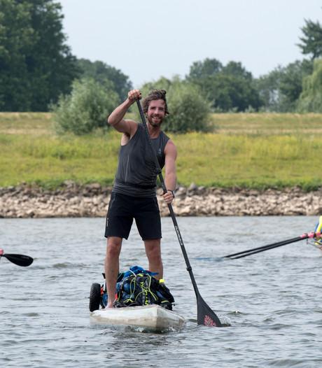 Plastic Soup Surfer: Rijnoevers liggen vol met wegwerp-bbq's