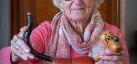 Hendrina (83) koestert haar houten Pluto: 'Herinnert me aan een fantastische tijd in 1945'