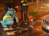 Jongen op stepje botst tegen auto in Breda
