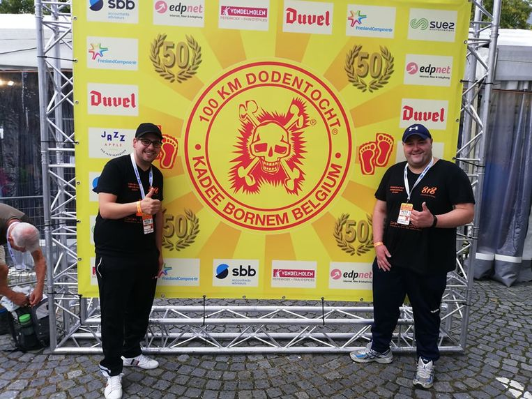 Jonas Strobbe en David Bekaert tijdens de Dodentocht in Bornem.