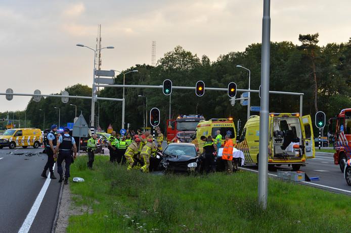 De hulpdiensten zijn massaal uitgerukt voor het ongeluk in Ugchelen.