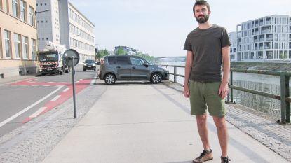 """Groen-raadslid met voorstel naar gemeenteraad om Schelde-oever in Oudenaarde veiliger te maken voor fietsers en voetgangers: """"Laat auto's niet langer dwars parkeren"""""""