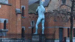 """""""Nu staat hij weer met zijn gat naar stad!"""": wie draait kunstwerk in Aarschot constant om?"""