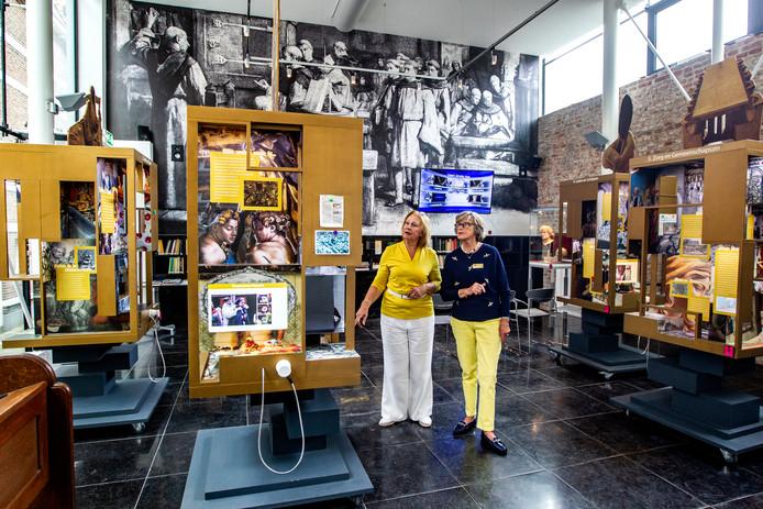 Riet en Ineke hebben het flink drukker gekregen nu mensen met de Museumpas op bezoek kunnen bij het Geert Groote Huis.