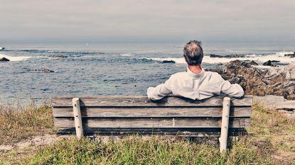 """Frank (65) leerde aanvaarden dat er meer is tussen hemel en aarde: """"Ik was altijd de nuchtere, maar het lijkt alsof ze mij bij haar sterven haar gevoeligheid heeft doorgegeven"""""""