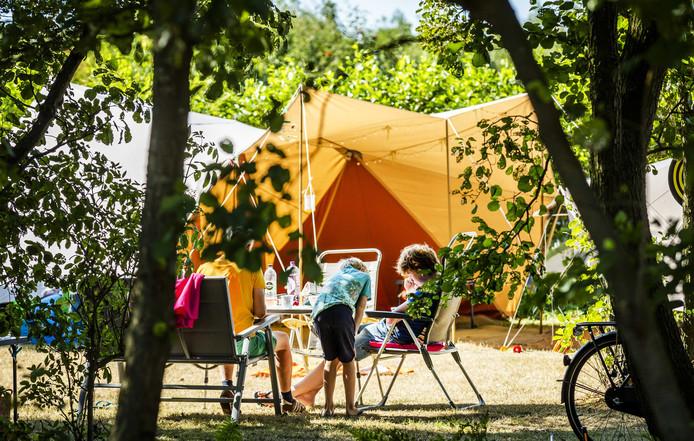 De Duinhoeve bij Nieuw-Haamstede neemt afscheid  van de jongerencamping en legt na dit seizoen nog meer de nadruk op gezinsvakanties en rust in een natuurlijke omgeving.