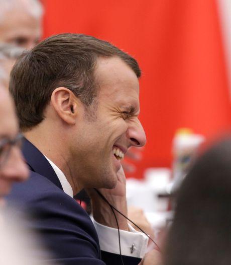 Franse president Macron noemt NAVO 'hersendood'