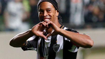 De magie is verleden tijd: Ronaldinho stopt er definitief mee, Barcelona dankt zijn 'ever-smiling magician'