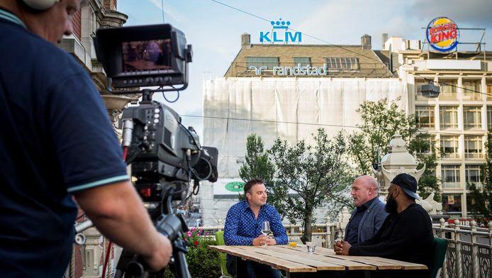Opnames van het programma Zwoele Stad, dat AT5 in de zomermaanden opneemt op locatie.