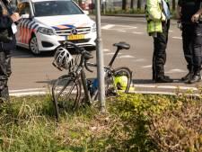 Wielrenner gewond na aanrijding met motorrijder bij Baarn